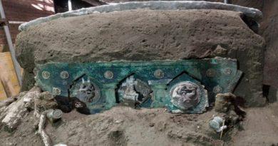 Arheolozi pronašli ceremonijalne kočije u blizini nalazišta Pompei